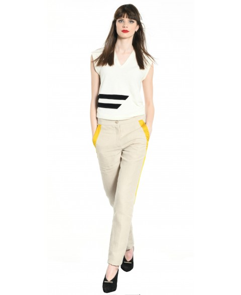 TOP OFF WHITE WITH BLACK STRIPS