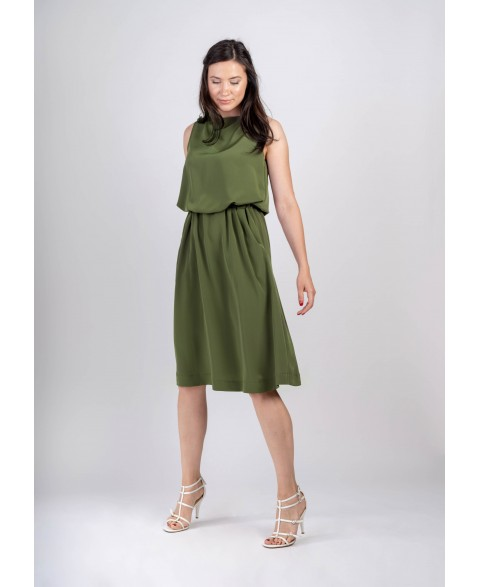 Bella | Sleeveless drapey dress in olive green